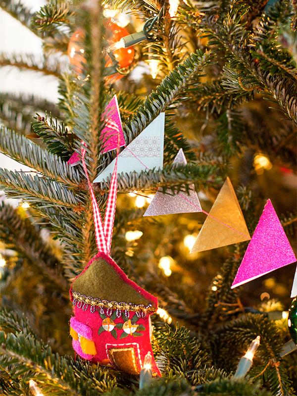 Diy Garland Christmas Tree Christmas Tree Garland