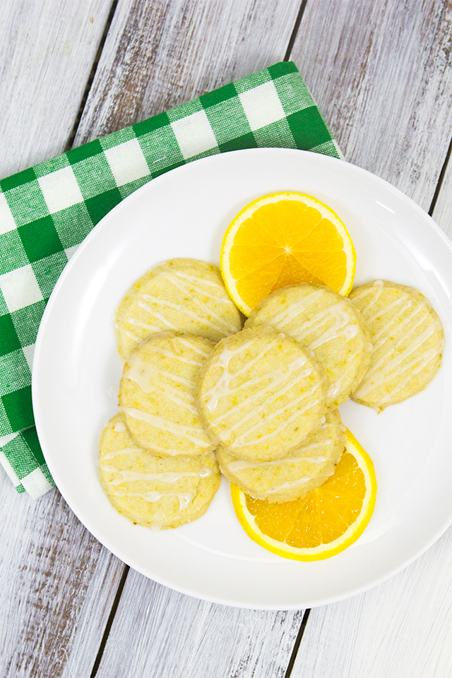 Capture the flavors of summer citrus in these easy to make citrus shortbread cookies (Click for recipe).